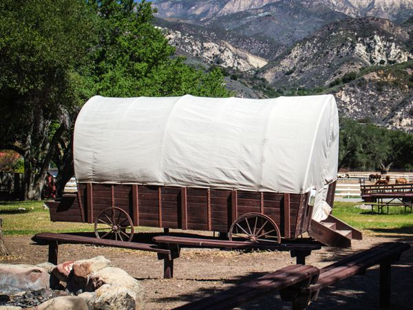 Covered Wagon Photo Gallery 1